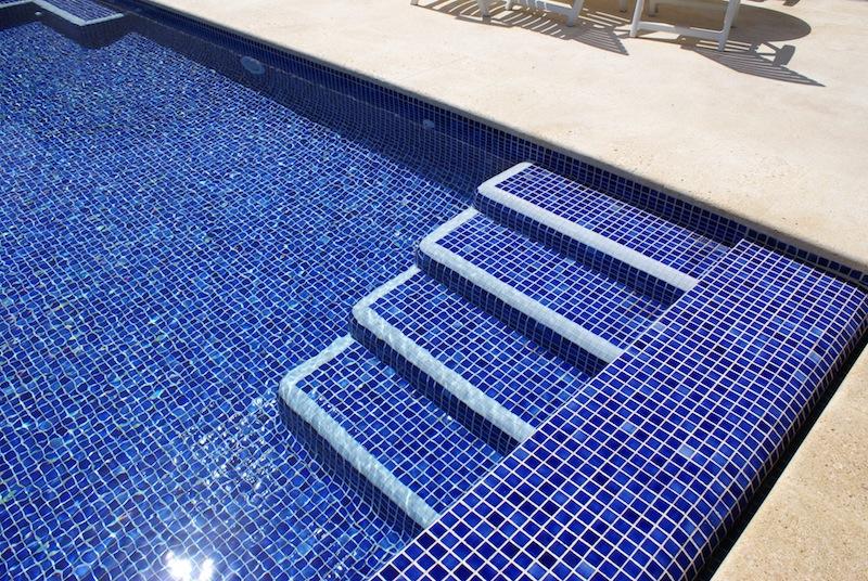 Claudiobarrios especial piscinas claudio barrios for Piscinas de gresite